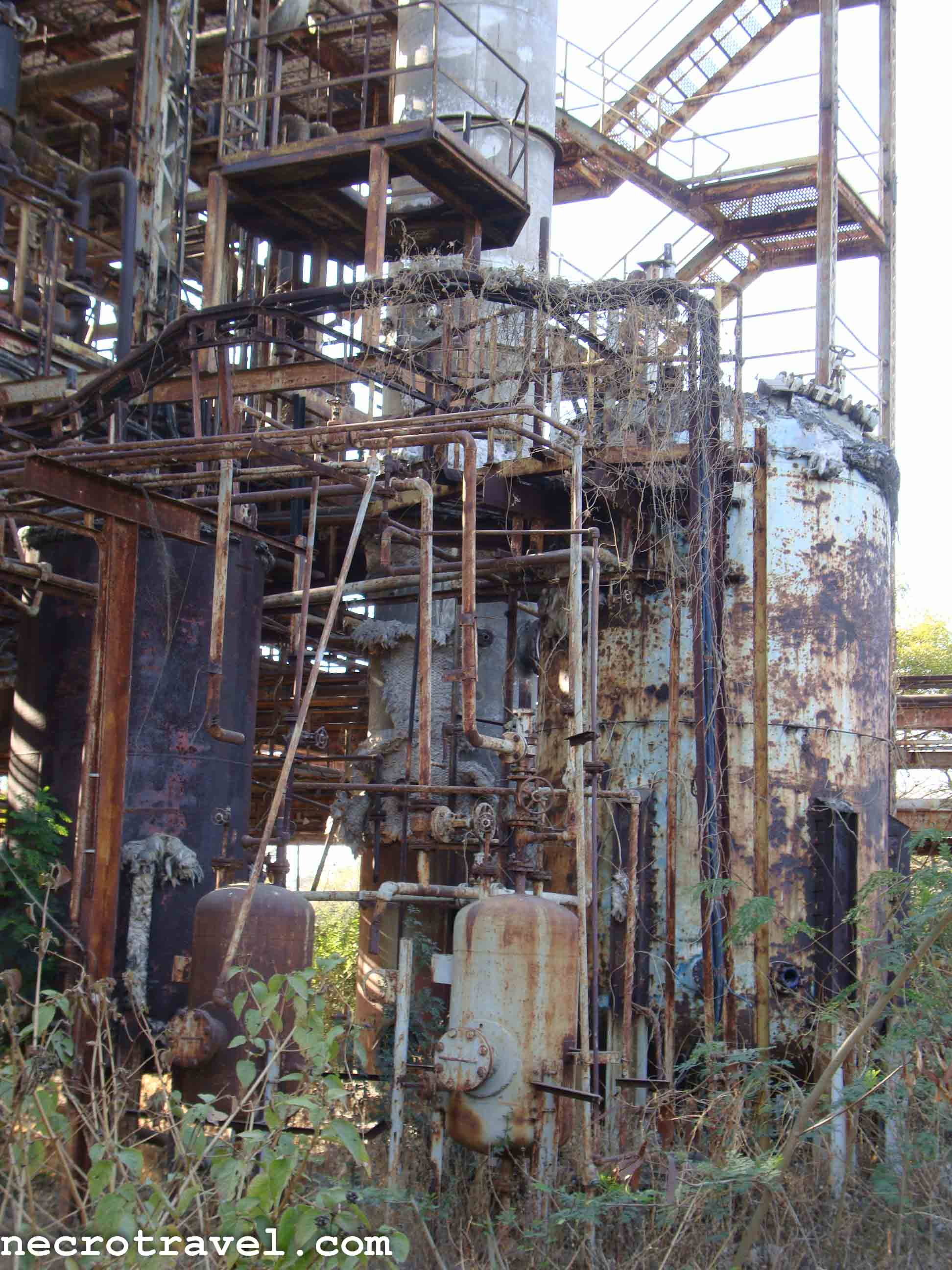 bhopal plant disaster On december 3, 1984, a union carbide corporation plant in bhopal leaked 32 tons of toxic methyl isocyanate gas, leading to the bhopal disaster.